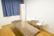キレイモ渋谷宮益坂店の施術室は個室です。ロッカーもあるので貴重品はそこにしまいましょう。